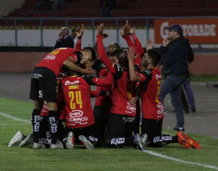 Jugadores del D. Cuenca, celebrando un gol.