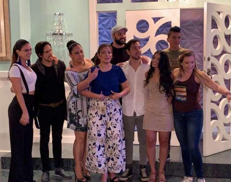 "GUAYAQUIL, Ecuador: Parte del elenco de ""Sharon"" respondió preguntas de la prensa. Foto: Ecuavisa"