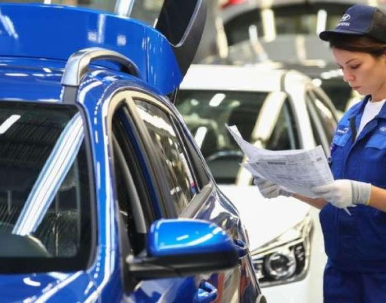 En Chile hay dos proyectos de ley en el Congreso que buscan reducir la jornada de trabajo semanal.