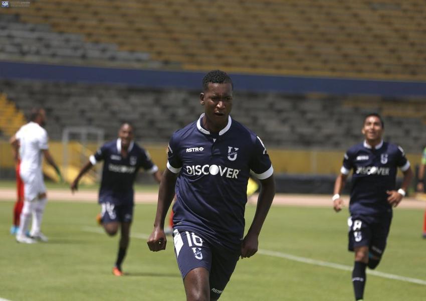 Jhon Jairo Cifuente es uno de los goleadores del torneo local con Universidad Católica.