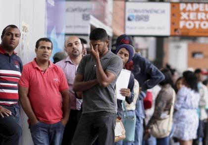 La tasa de desempleo siguió aumentando en Brasil en el trimestre cerrado en Agosto.