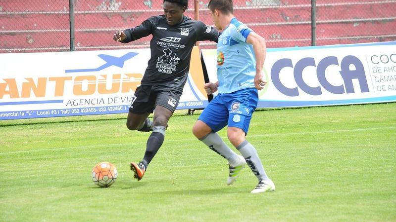 Macara vs Delfín de Manta gana el equipo visitante por 2 goles a 1. Partido jugado en el estadio Bellavista de Ambato.