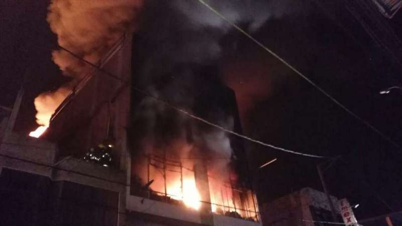 8 horas llevó controlar un incendio en Aguas Verdes, frontera con Ecuador. Foto: ECU911