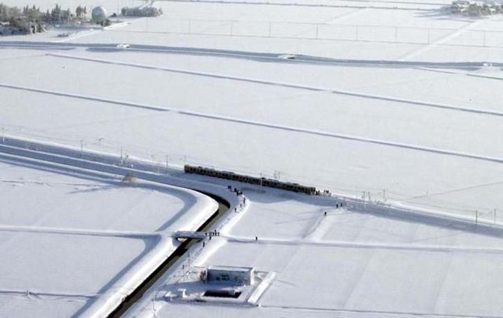 La nieve dificultó la circulación ferroviaria. Foto: AP