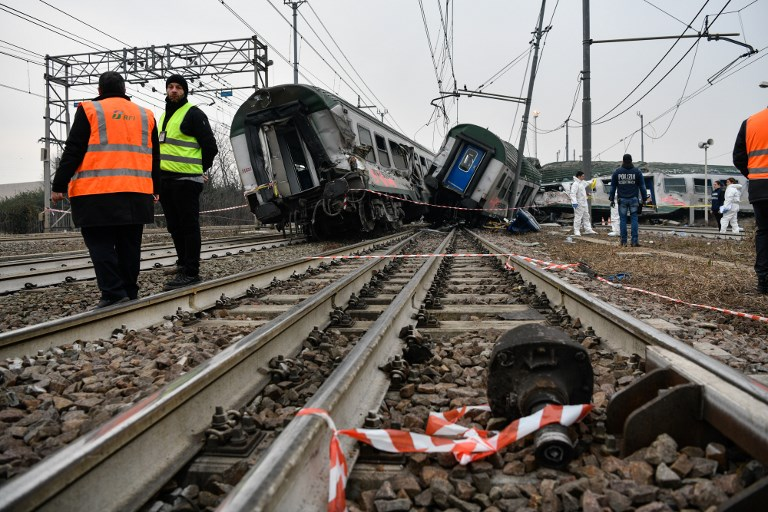 Fallecen dos personas en accidente de tren en Milán